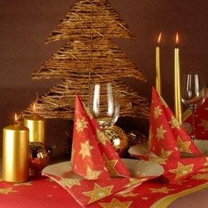 Artikelbild: Gedeckter Tisch zur Weihnachtszeit
